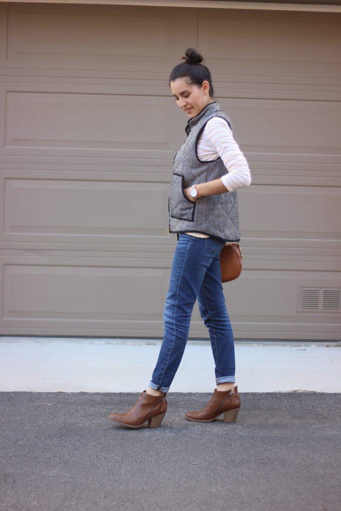 Minimalist Wardrobe, Fall Style | Rooms Need Love Blog