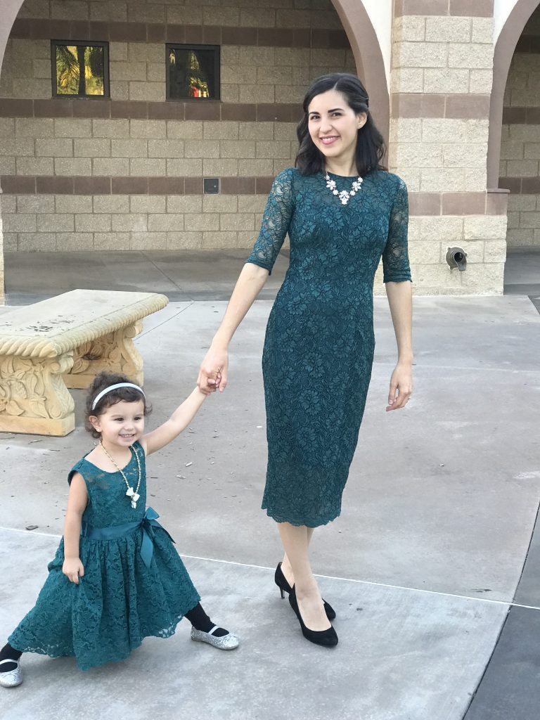 Family Photos | Family Photo Outfits | Lace Dress | Mommy and Me Outfits | Rent the Runway | Holiday Outfits | Wedding Guest Outfits | Rooms Need Love