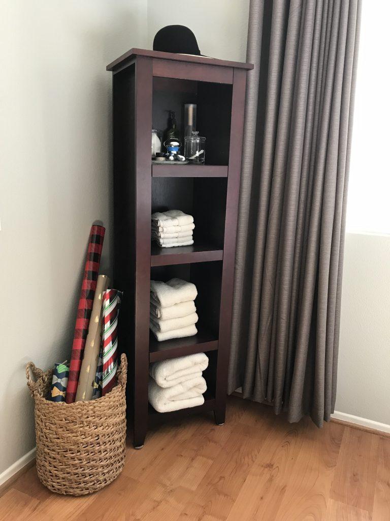 Linen Closet Organization | Fabric bins to organize | organizing | how to organize the linen closet